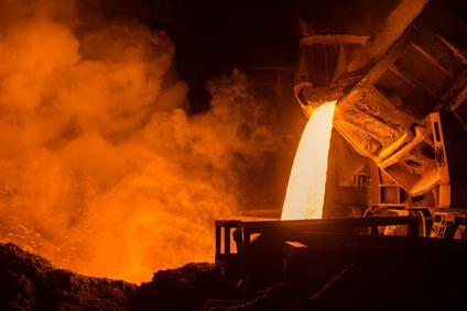 La coulée de métal est une source courante de l'odeur